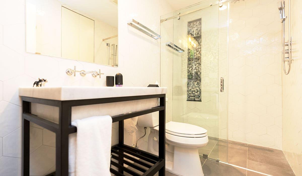 monochrome small bathroom remodel ideas