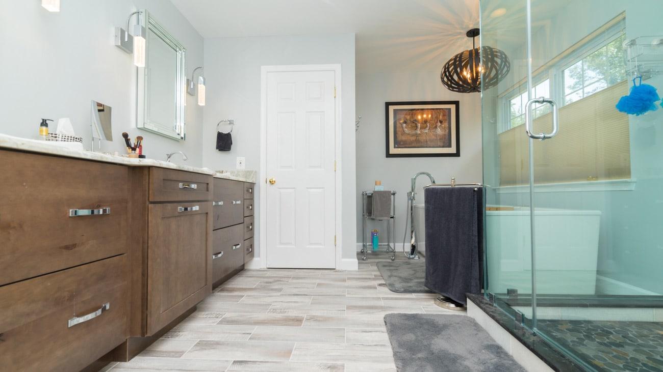 small bathroom remodel flooring