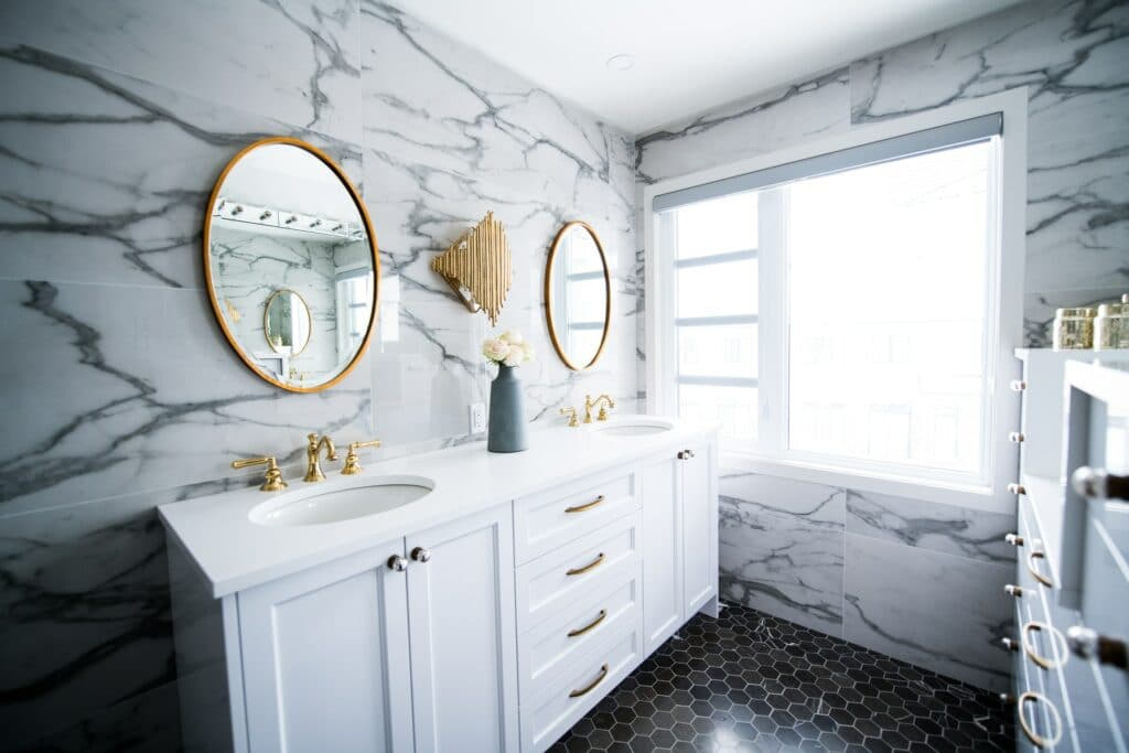 natural bathroom lighting ideas