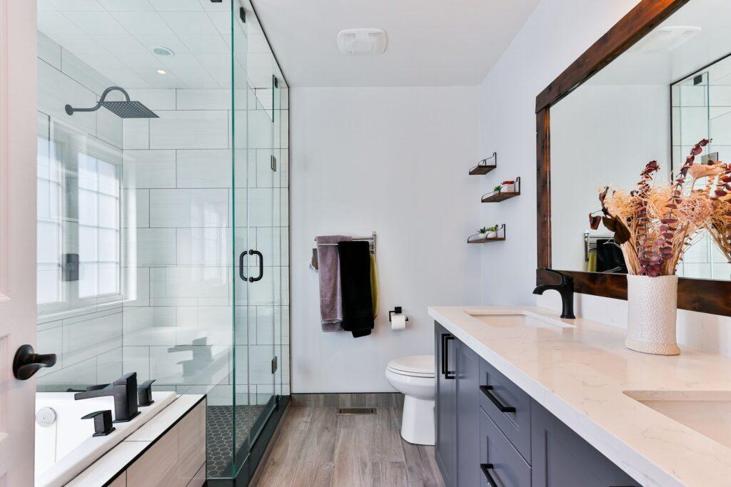 average cost small bathroom remodle